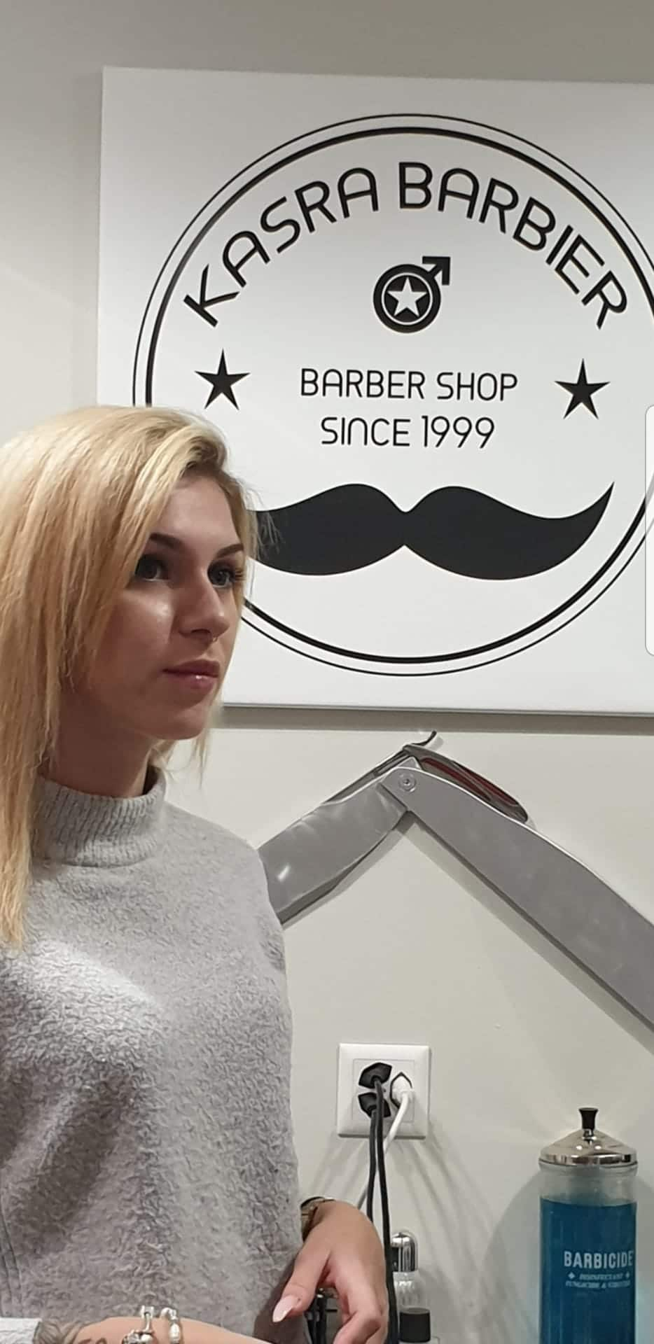 "<a href=""https://www.kasrabarbier.shop/about/renata/"">Renata</a>"